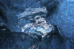 在冰川里面 免版税库存照片