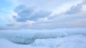 在冰形式的快速的改变的云彩 影视素材