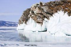 在冰的岩石 免版税图库摄影