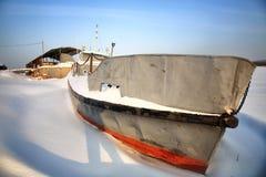 在冰的船 免版税库存图片