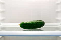 在冰箱的黄瓜 免版税图库摄影