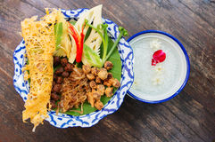 在冰waterfor开胃菜的泰国米 库存照片