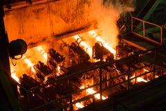 在冶金植物的持续铸件机 库存图片