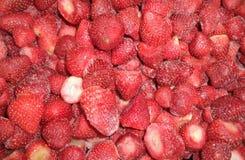 在冻新鲜的草莓 免版税库存照片