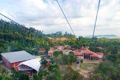 在凌家卫岛海岛,马来西亚上面的缆车  库存照片