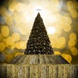 在减速火箭的样式的圣诞树 免版税库存图片