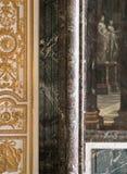 在凡尔赛宫的大大理石柱,法国 免版税库存图片