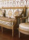 在凡尔赛宫的大扶手椅子,法国 免版税图库摄影