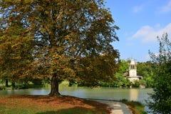 在凡尔赛宫parc的玛丽・安托瓦内特庄园 免版税库存照片