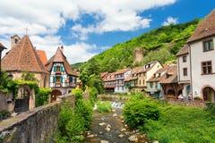 在凯塞尔斯贝尔村庄,阿尔萨斯,法国的看法 库存照片