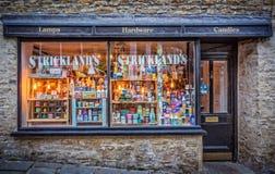 在凯瑟琳小山, Frome,萨默塞特的Stricklands百货商店 免版税库存照片