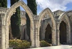 在凯里尼亚,北赛普勒斯土耳其共和国附近的Bellapais修道院 库存图片