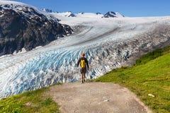 在出口冰川的远足 免版税库存照片