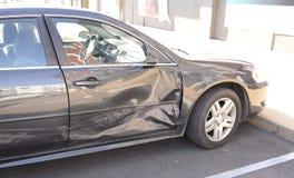 在击毁的汽车 免版税库存照片