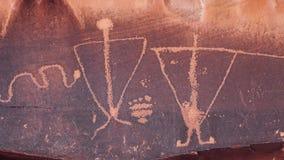 在分娩场面岩石的刻在岩石上的文字在默阿布,犹他 股票视频