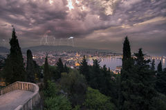 在分裂,克罗地亚的雷暴 图库摄影