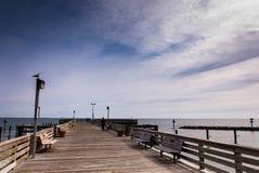 在切塞皮克犬海滩的渔码头,沿切塞皮克湾 库存照片