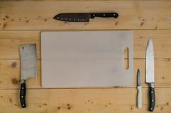 在切板的不锈的刀子 库存图片