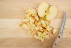 切成小方块的苹果 免版税库存照片