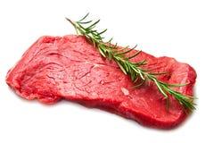 在切板的未加工的牛肉 库存照片
