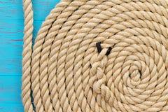 在创伤的重绳索在螺旋形状 免版税库存照片