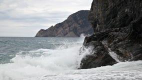 在利古里亚海的海滩 免版税库存图片