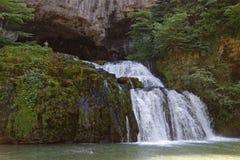 在利松河的来源的瀑布 免版税库存照片