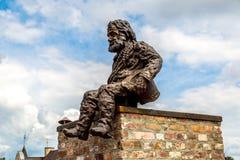 在利沃夫州,乌克兰雕刻一个烟囱 免版税库存图片