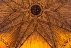 在利物浦国教徒大教堂里面的砂岩天花板 库存照片