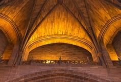 在利物浦国教徒大教堂里面的砂岩天花板 免版税图库摄影