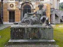 在别墅Albani里面的被放弃的纪念碑在罗马,意大利 免版税库存图片