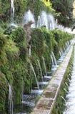 在别墅d'Este的一百个喷泉 免版税图库摄影