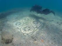 在别墅protiro的华丽马赛克 水下的考古学 免版税库存图片