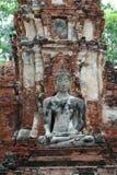 在制服玛拉态度的古老菩萨雕象  免版税库存照片