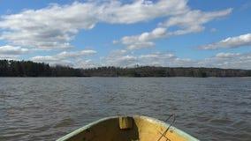 在前面水的小船 股票录像