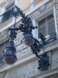 在前额样式自由的城市古色古香的光对一个窗口的在罗马,意大利 库存照片