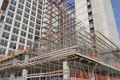 在前VROM部大厦的整修的脚手架 免版税库存图片