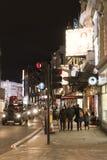 在剧院区伦敦英国的著名Shaftesbury大道 库存图片