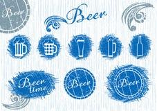 在剪影样式设置的啤酒 免版税库存图片