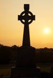 在剪影的凯尔特十字架 图库摄影