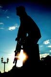 在剪影-格洛斯特,麻省的渔夫的纪念纪念碑 库存图片