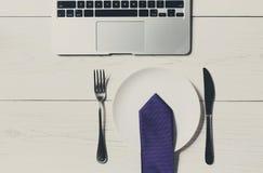 在办公室节食概念,在工作午餐的没有食物 免版税图库摄影