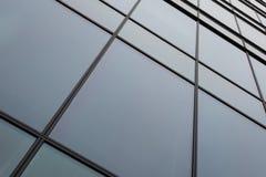 在办公楼的窗口盘区 免版税库存照片