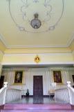 在办公楼的主要走廊在Siriraj医院 图库摄影