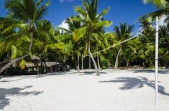 在加勒比岛上的活跃休闲,排球 免版税库存图片