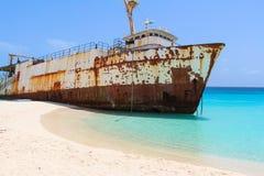 在加勒比海滩的海难 免版税库存图片