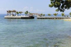 在加勒比的乐趣码头 免版税库存图片