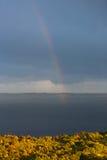 在加尔达湖海湾的彩虹  免版税图库摄影