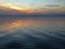 在加尔达湖的黄昏 免版税库存照片