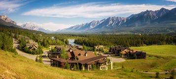 在加拿大人落矶山的Canmore 免版税库存图片